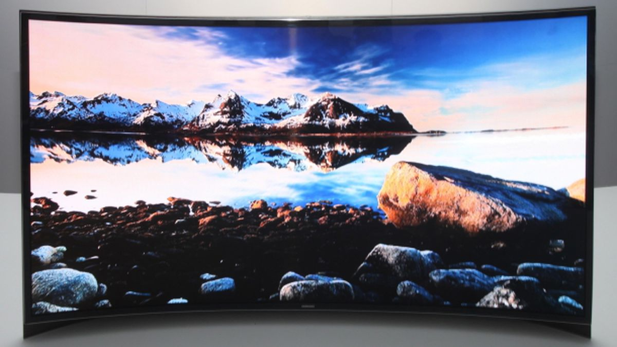 Curved TVs Pros and Cons: Things to Know
